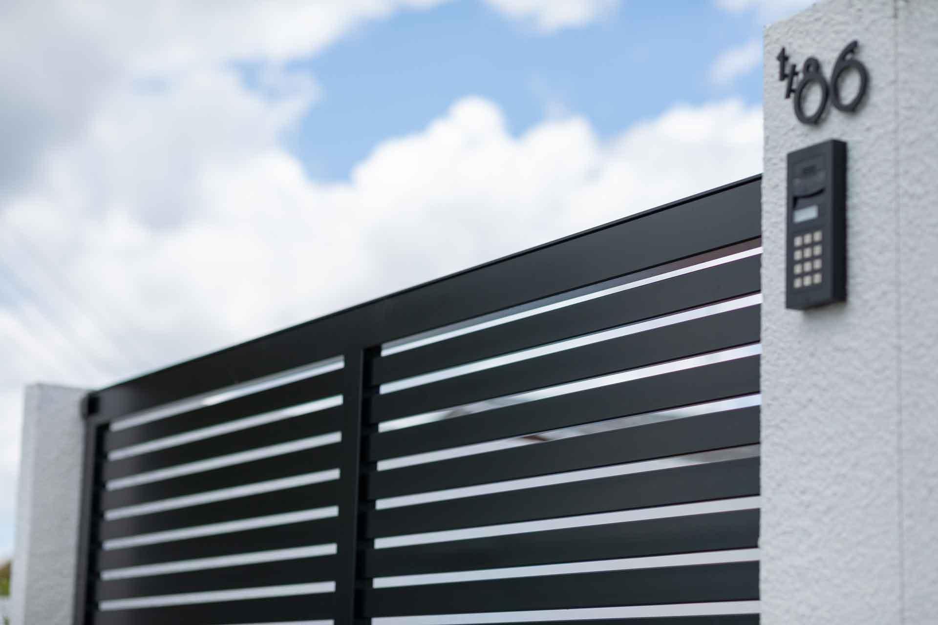 Slat driveway gate new zealand
