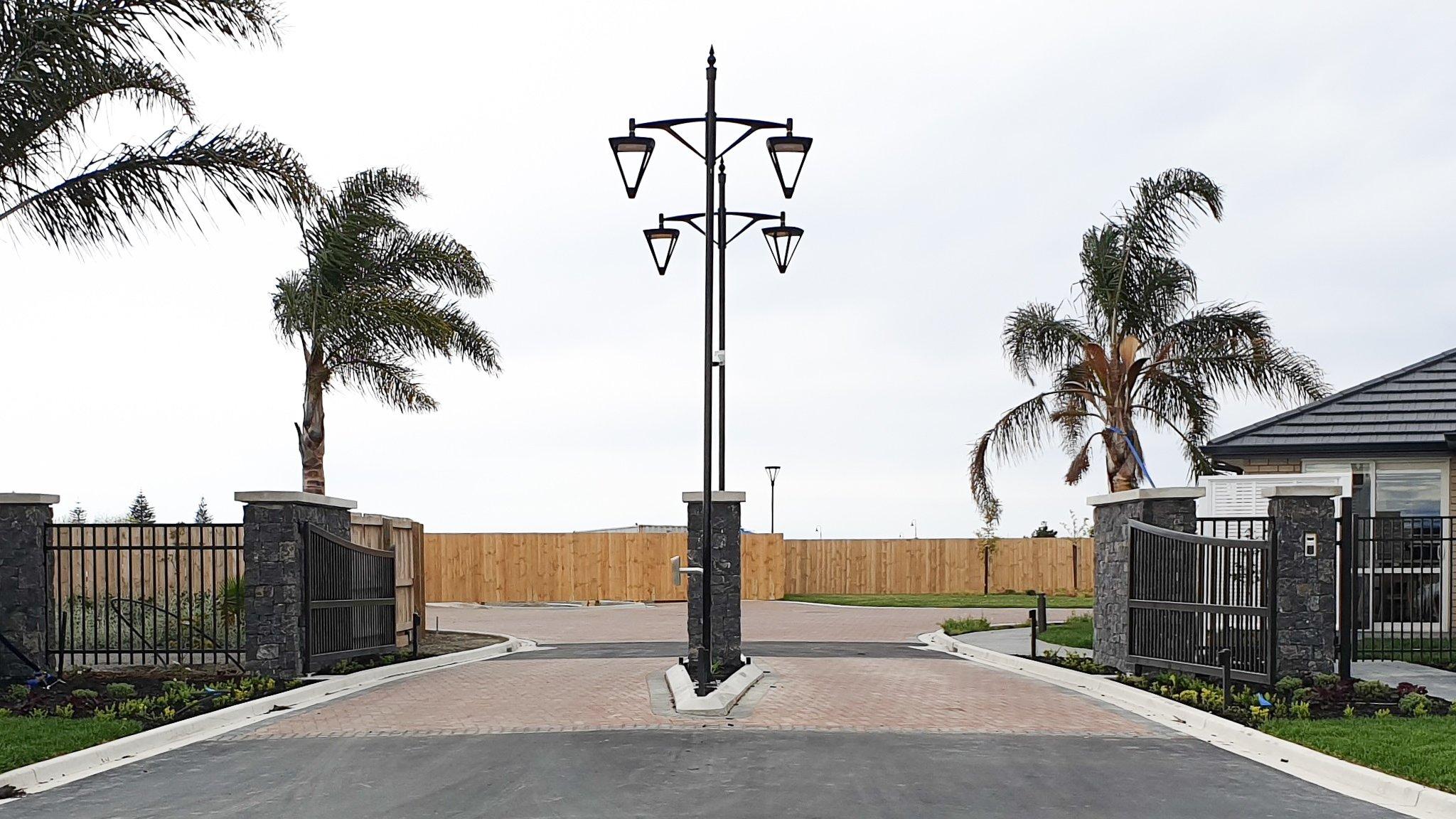 Summerset palms driveway entrnace